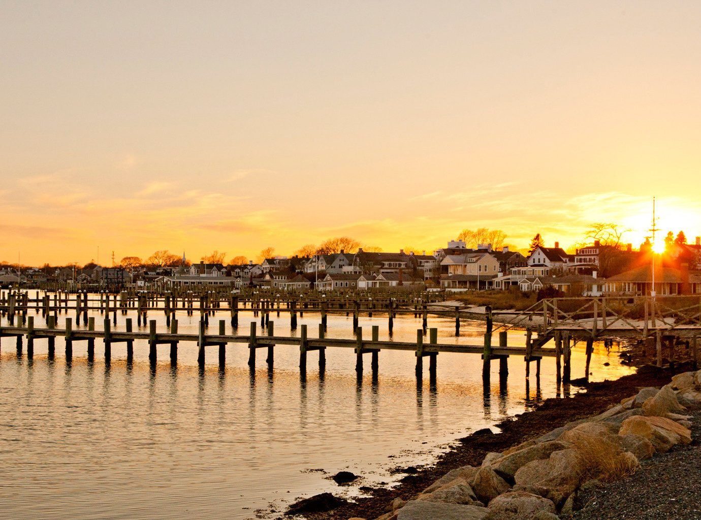 B&B Boutique Outdoors Scenic views Trip Ideas Waterfront water scene sky outdoor pier Sunset reflection sunrise dawn Sea evening dusk morning River shore Coast bridge walkway cityscape sunlight long lined line several