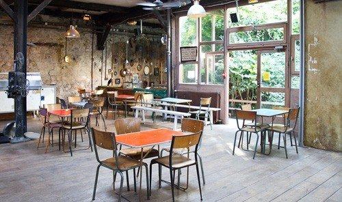 Jetsetter Guides floor chair property room restaurant real estate Bar café tavern cottage Dining area