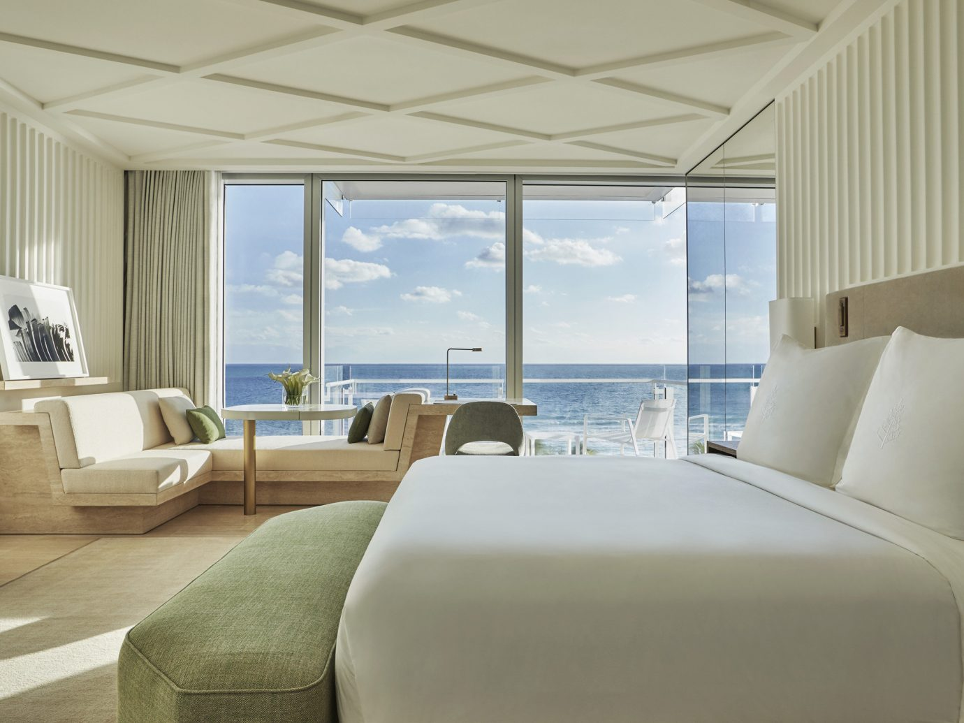 Four Seasons Hotel at The Surf Club - Miami Hotel