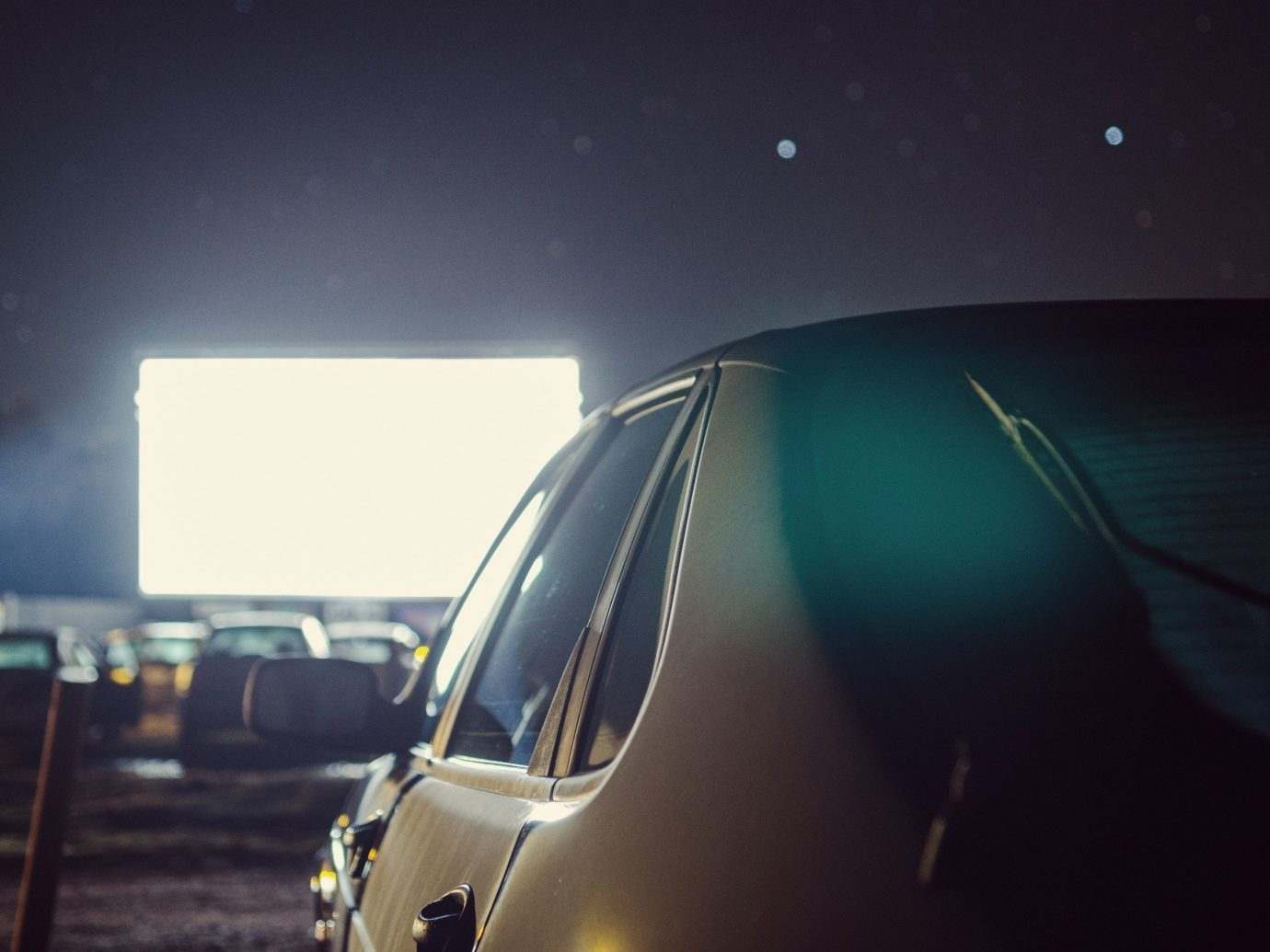 Trip Ideas blue light night darkness atmosphere of earth vehicle screenshot