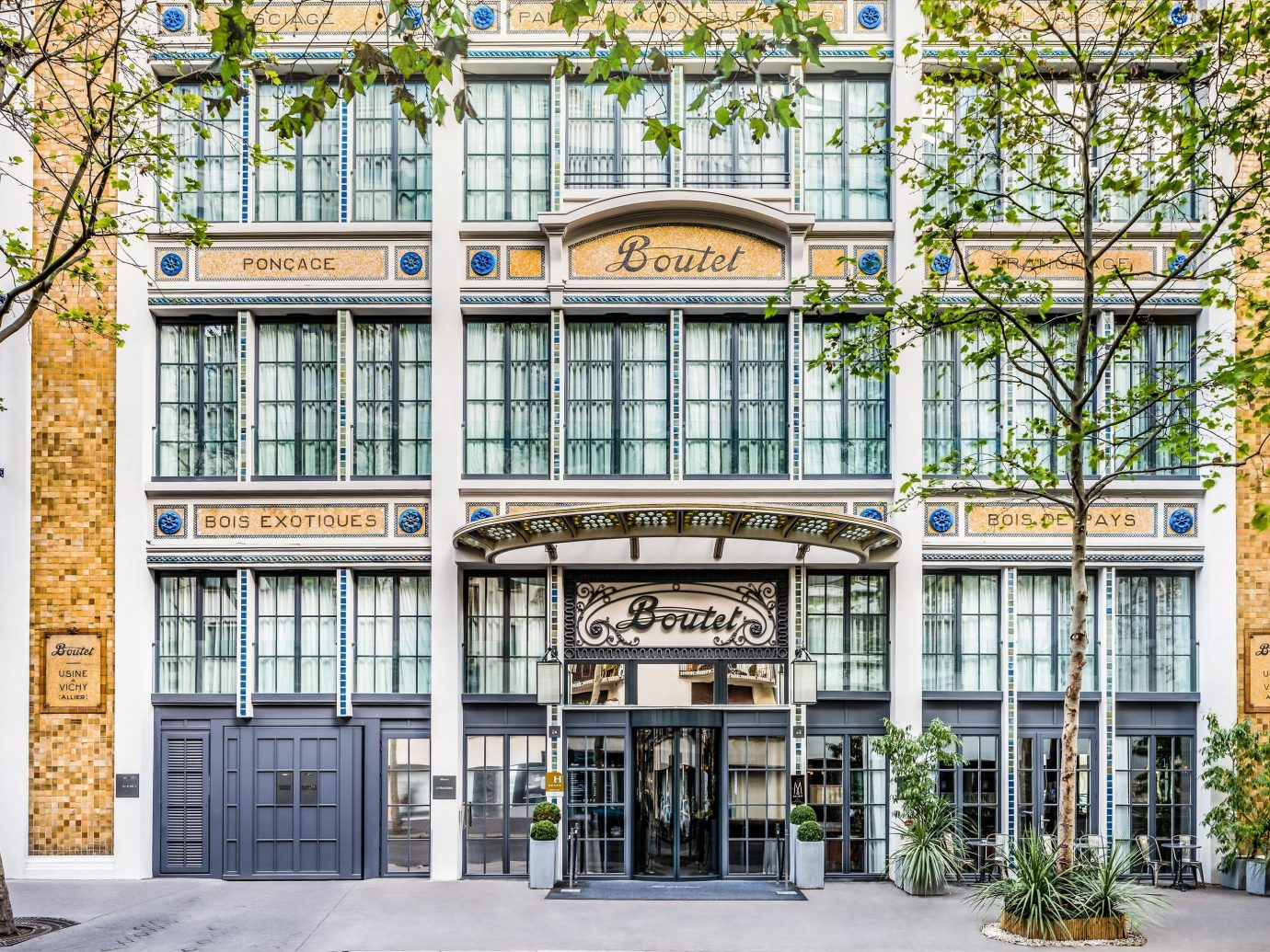 Boutique Hotels Hotels Jetsetter Guides Luxury Travel building outdoor tree mixed use Architecture facade commercial building neighbourhood real estate condominium house City window