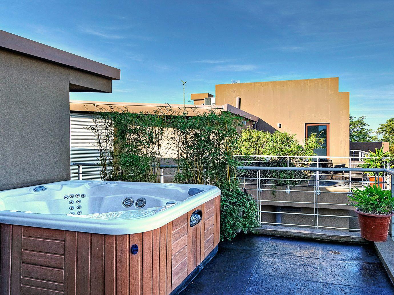 Hot tub at Preserve at Los Altos
