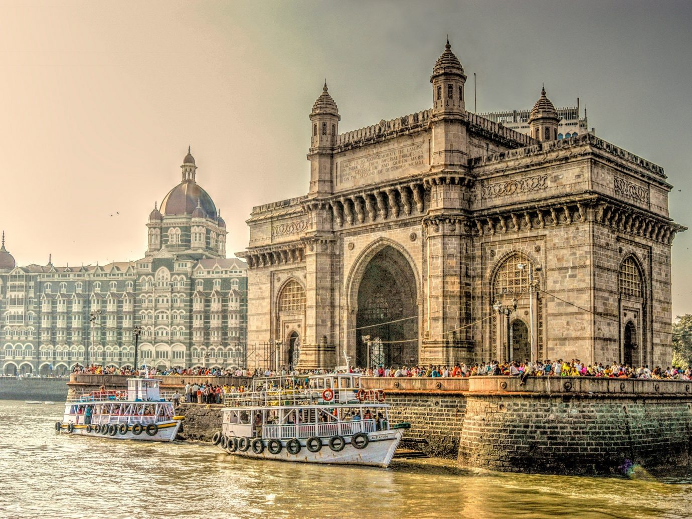 Trip Ideas outdoor landmark City cityscape tourism River palace waterway place of worship