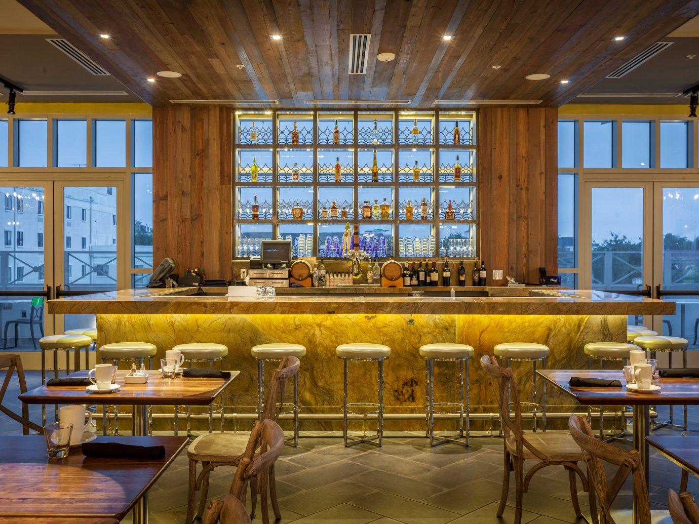 Interior bar at Élevé