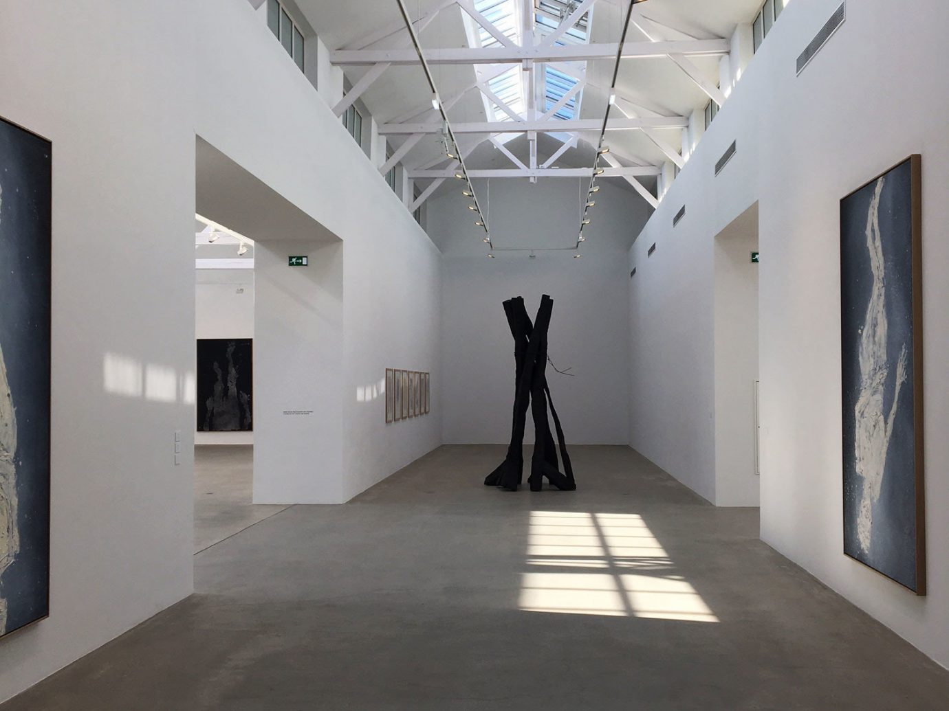 Interior view of Galerie Thaddaeus Ropac