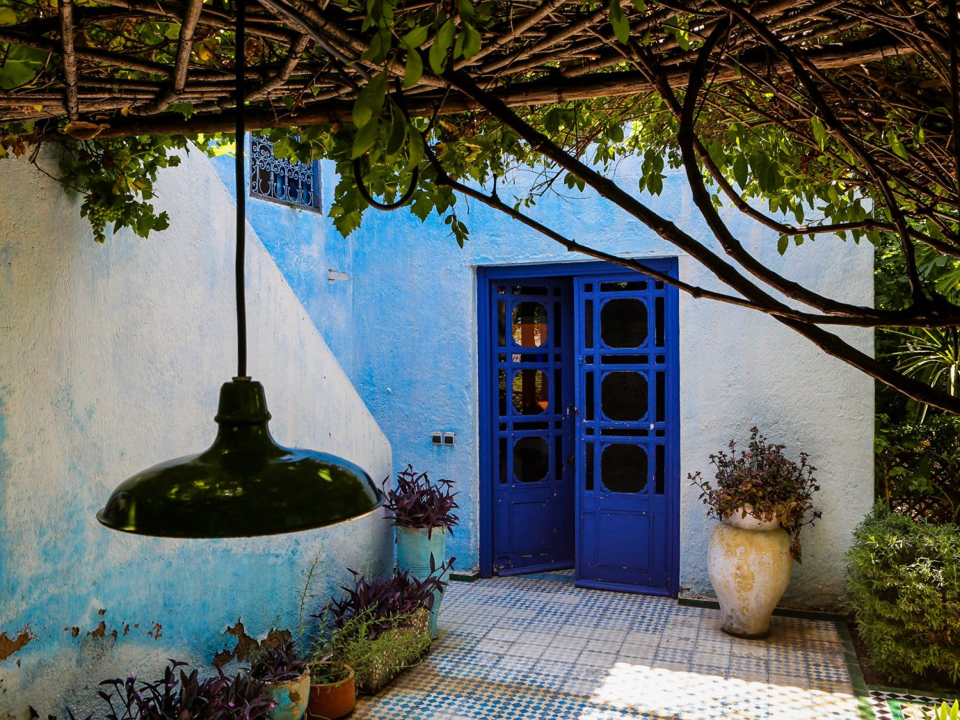 Hotels tree outdoor house estate home backyard mansion Garden cottage Courtyard Villa
