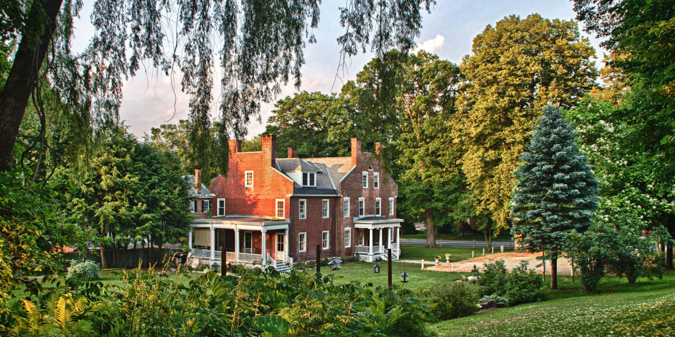 Hotels Trip Ideas tree outdoor grass plant house estate botany Garden park home leaf château autumn backyard flower yard cottage lawn lush Forest wooded surrounded