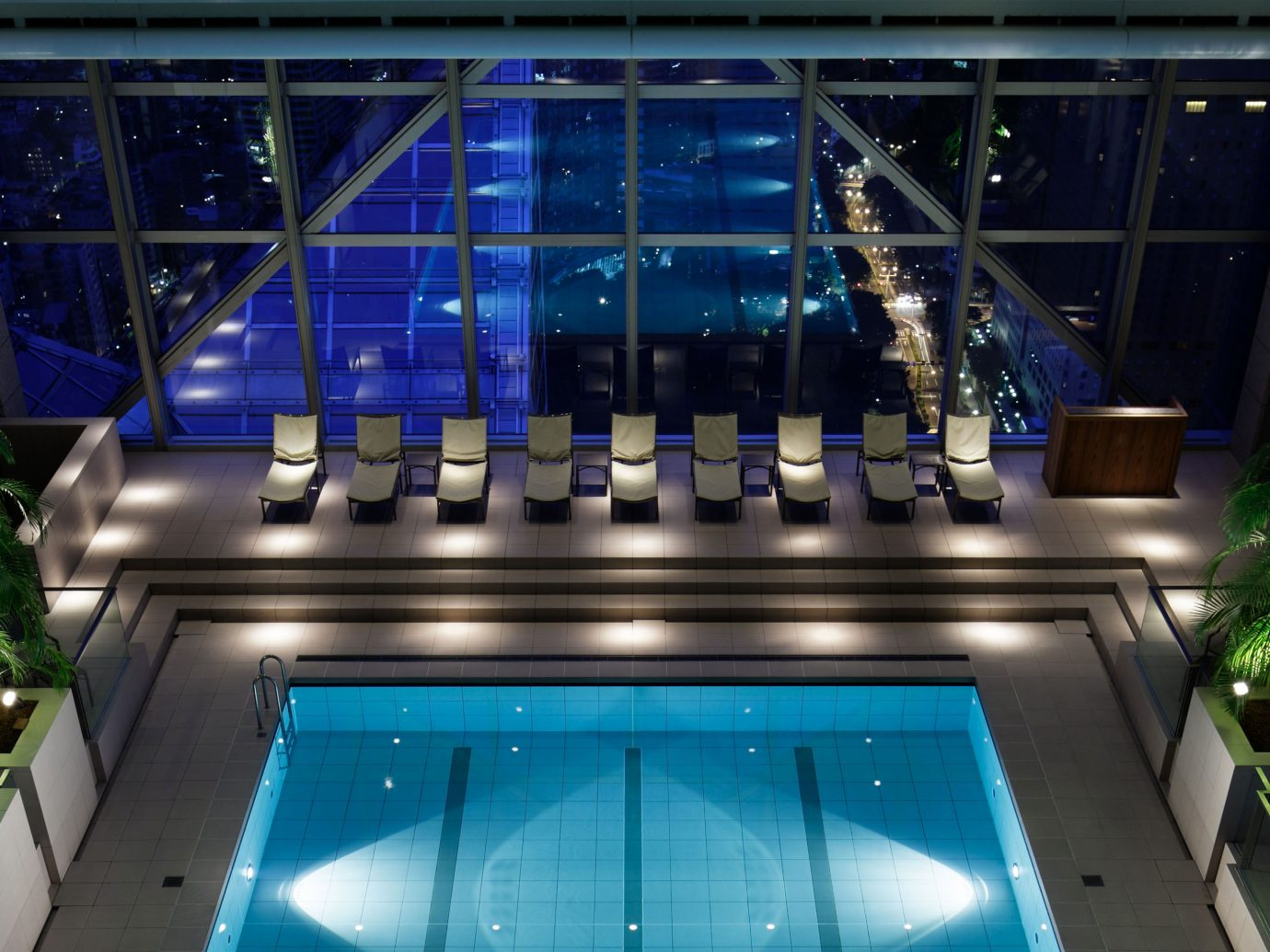 The pool at the Park Hyatt Tokyo, the pool from Lost in Translation
