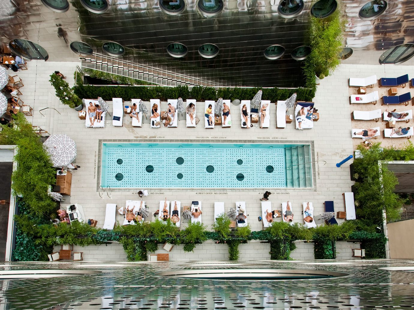 Design Hip Modern Offbeat Patio Pool Rooftop tourism estate Resort palace plaza town square water feature fountain