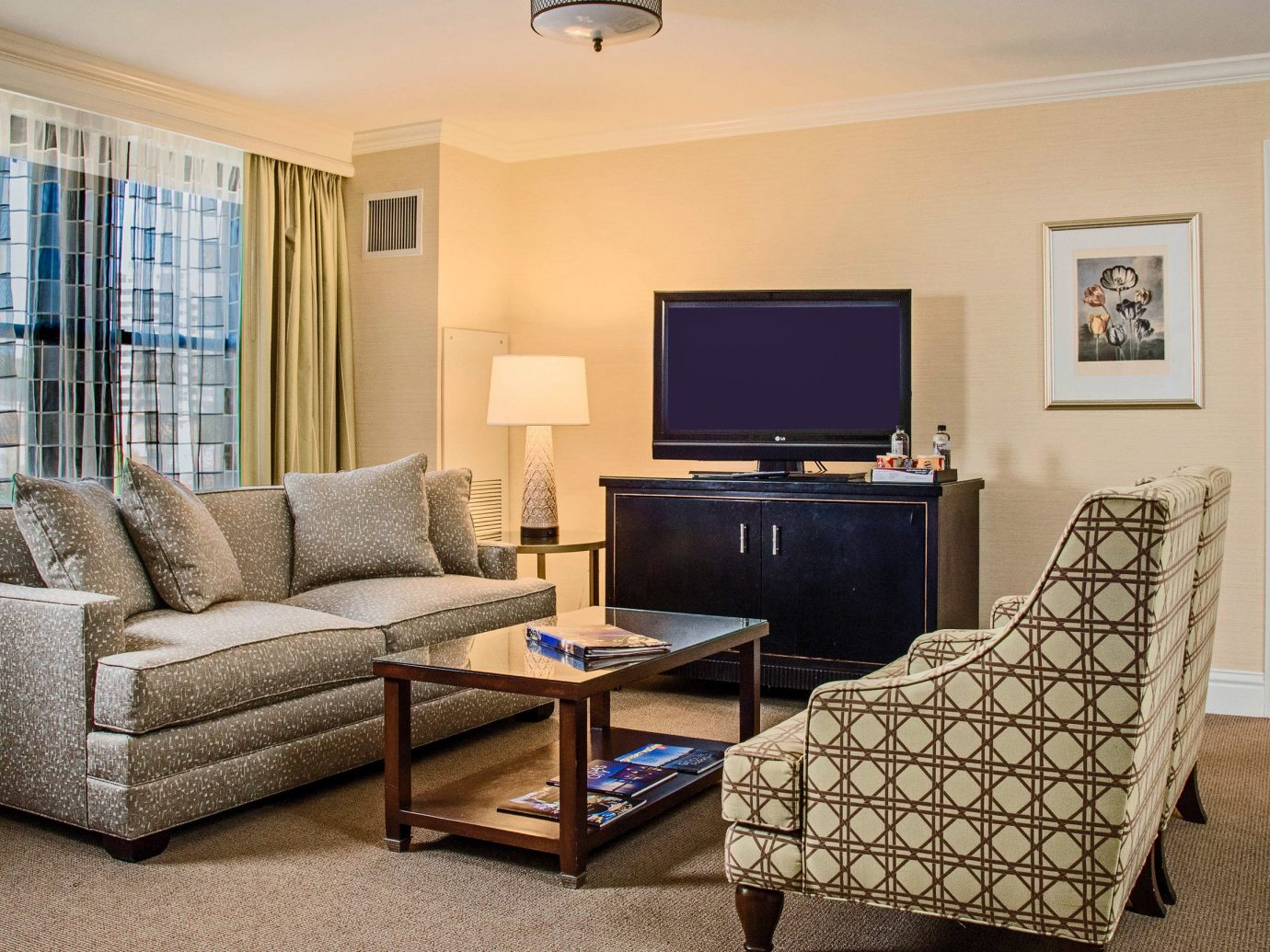 City Kansas City Midwest Trip Ideas floor indoor room wall Living sofa living room ceiling property window interior design Suite real estate furniture home hotel estate flooring area flat Bedroom Modern decorated
