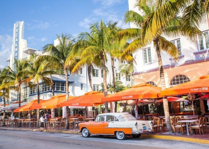 Trip Ideas outdoor tree orange Town plaza Resort vacation real estate restaurant marina past lined bus