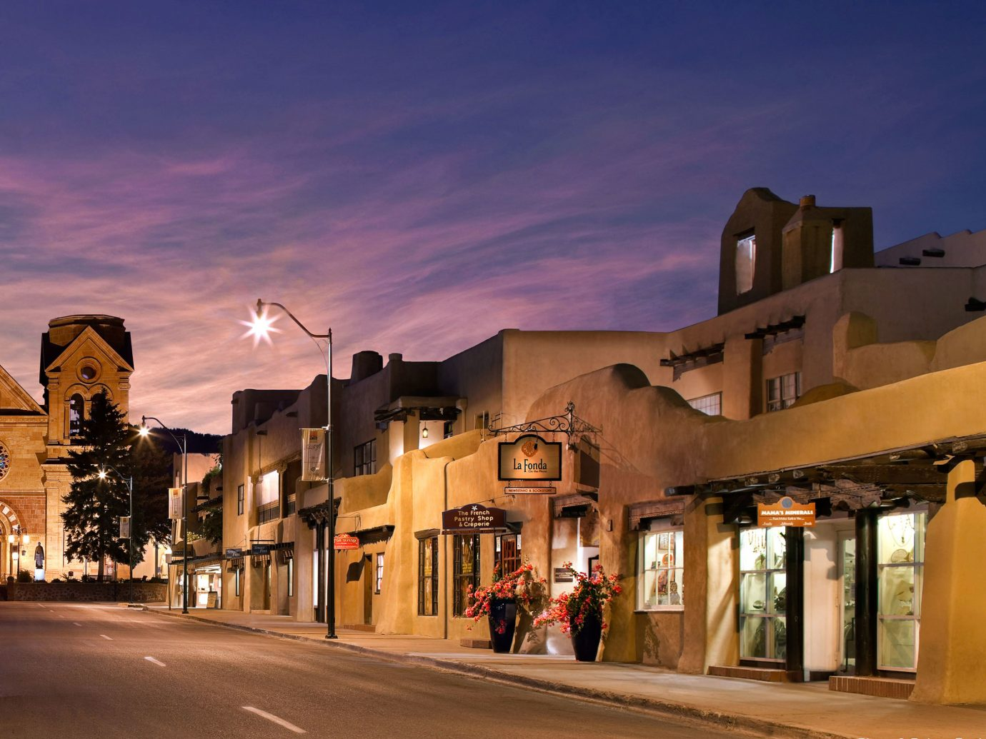 Exterior Historic Hotels Luxury building outdoor road sky street Town City night scene human settlement evening residential area way vacation cityscape Downtown dusk Sunset