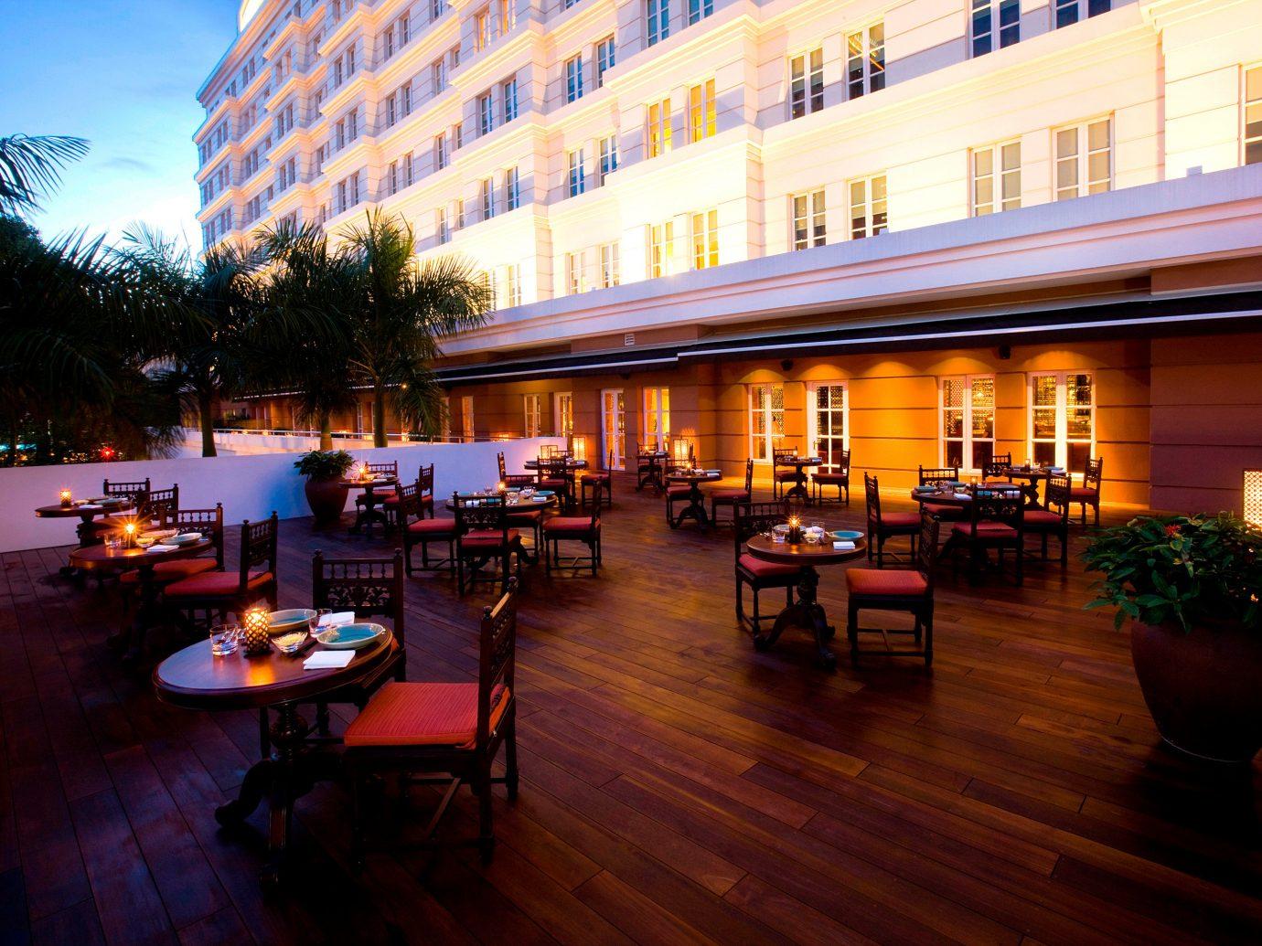 Bar Dining Drink Eat Elegant Food + Drink Lounge Modern Terrace floor building restaurant Resort estate evening hotel several