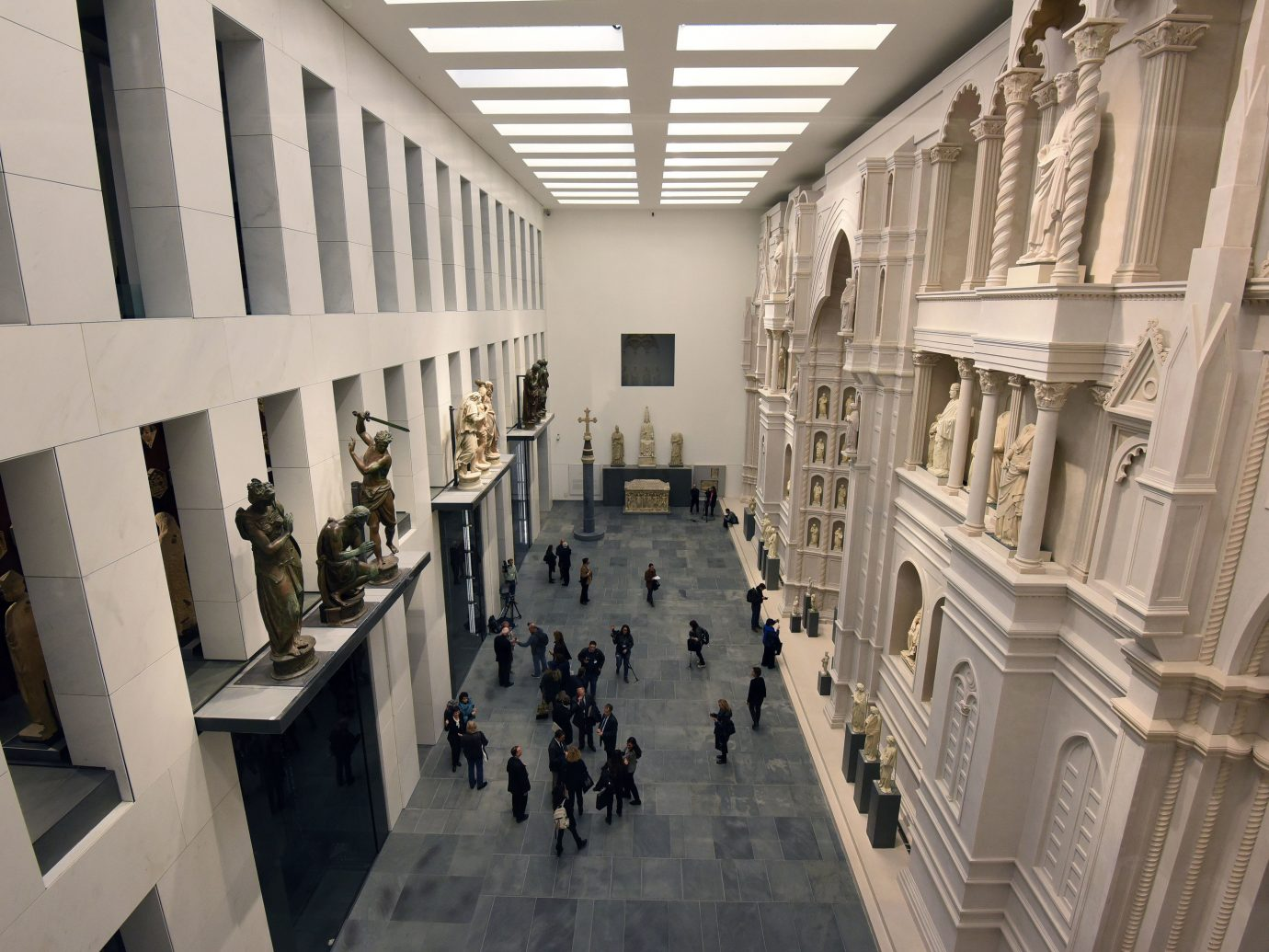 Arts + Culture indoor building Architecture tourist attraction museum interior design hall art gallery colonnade