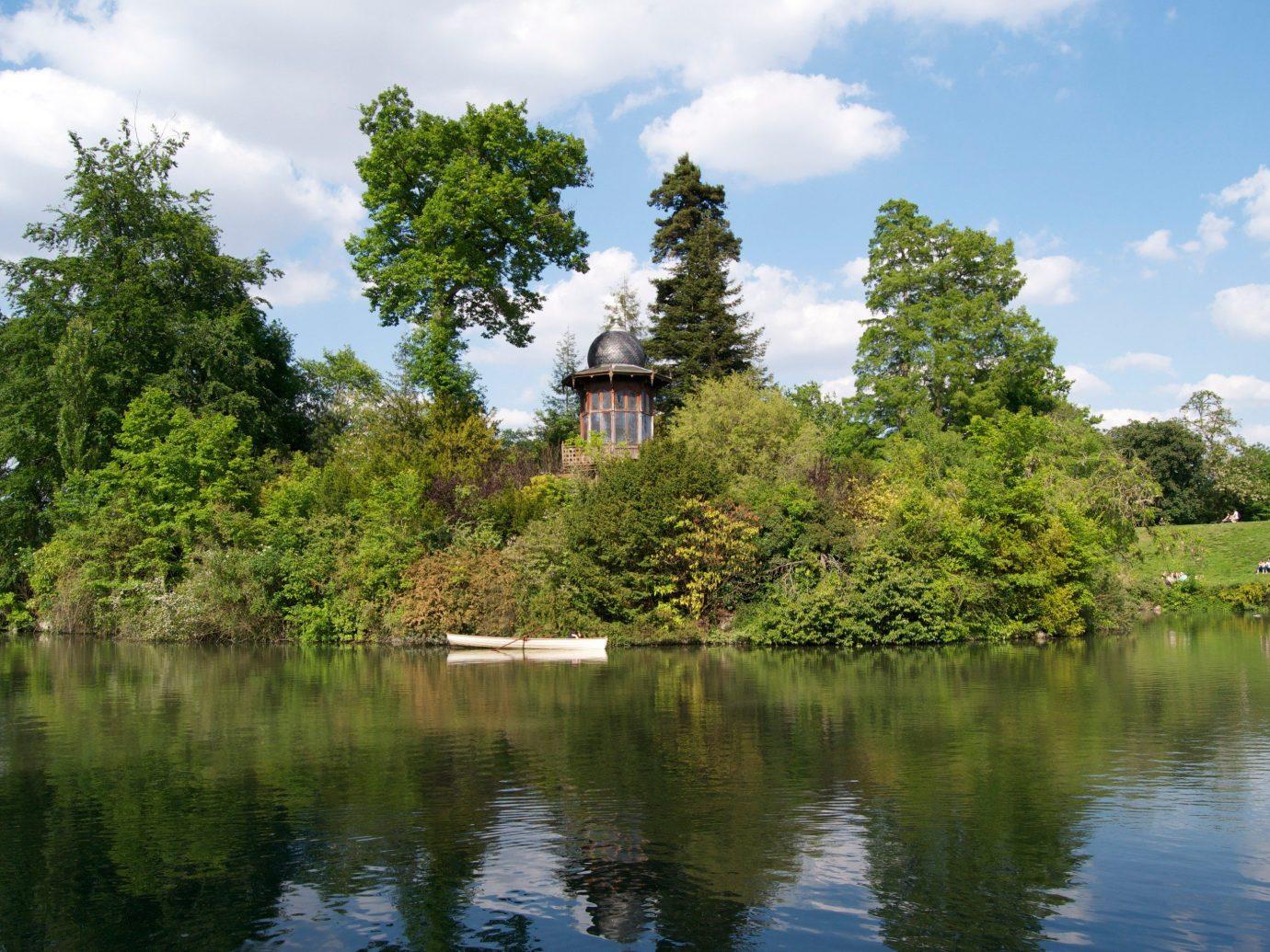 Bois de Boulogne park in Paris