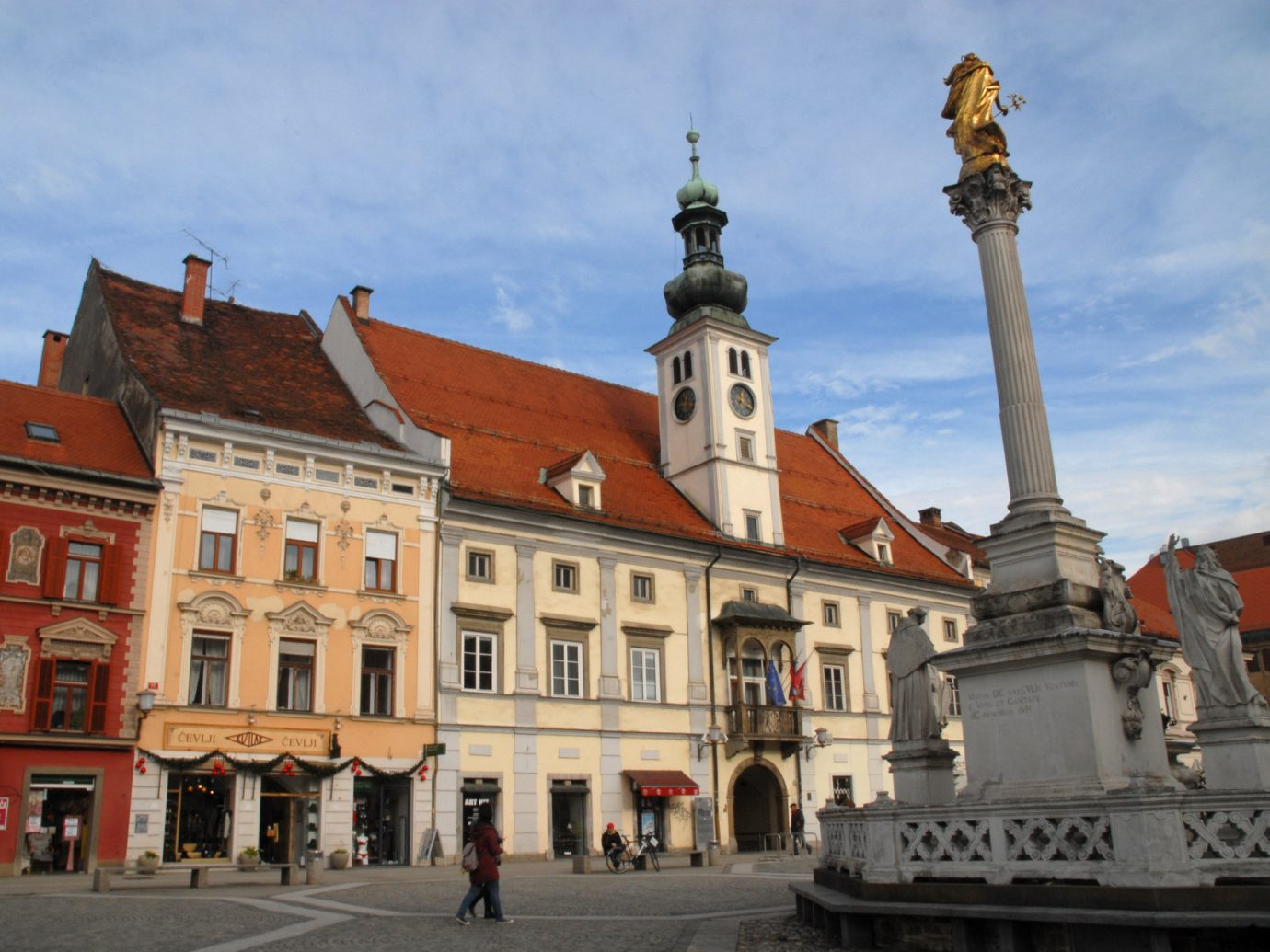 Trip Ideas Town landmark town square sky City château plaza building tourist attraction palace historic site monument facade seat of local government history medieval architecture metropolis tourism tower basilica middle ages