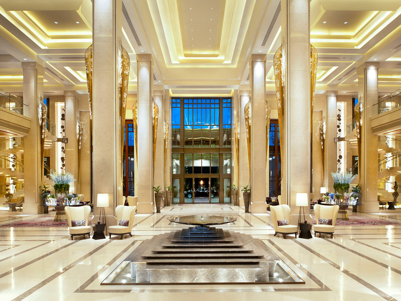 Hotels indoor Lobby shopping mall building ceiling estate interior design daylighting retail counter ballroom convention center hall plaza palace function hall