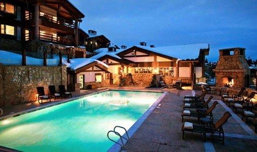 Travel Tips building outdoor swimming pool property Resort estate Villa mansion home resort town real estate
