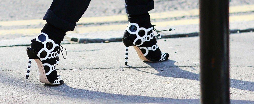 Style + Design outdoor black footwear Winter spring sports