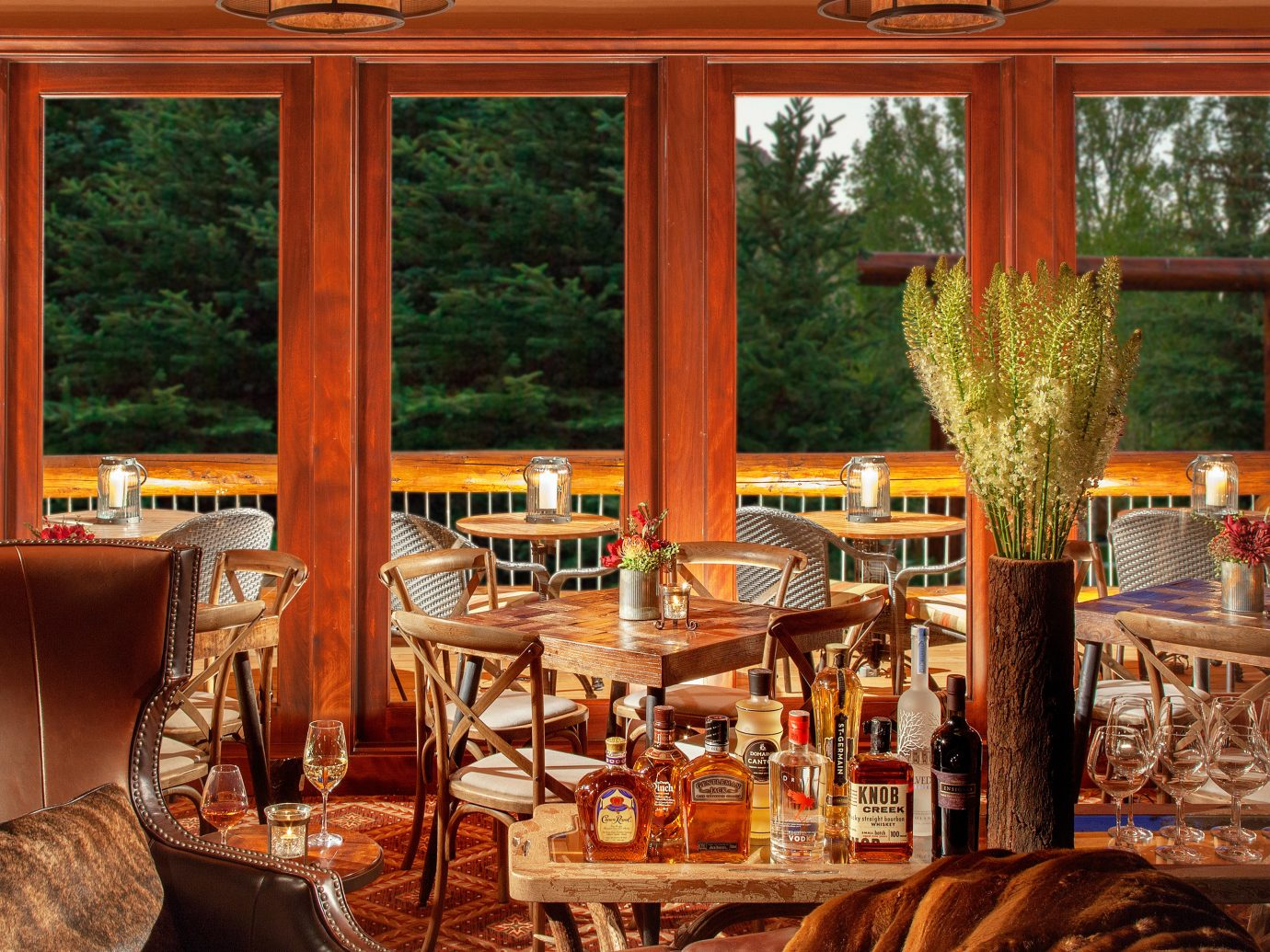 Budget Country Deck Family Hotels Lobby Lodge Lounge indoor room window estate restaurant home interior design living room wood dining room Bar meal furniture