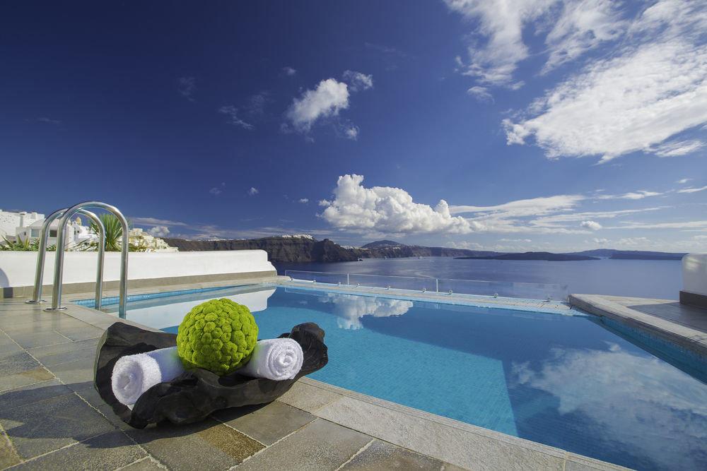 Trip Ideas sky outdoor swimming pool Sea Ocean vacation bay Resort Coast Beach estate Lagoon shore