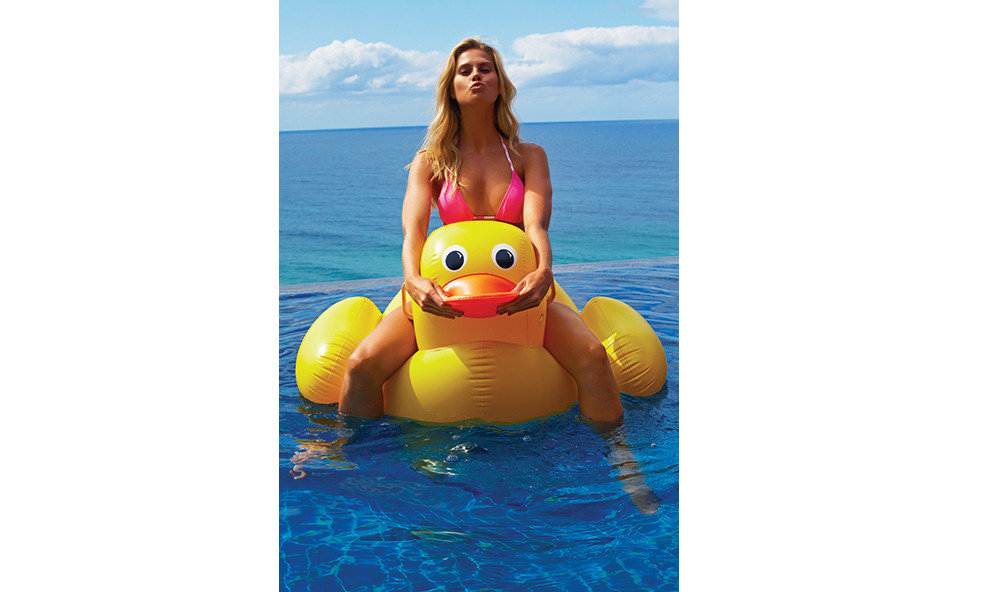 Offbeat duck yellow Play inflatable water bird toy Bird ducks geese and swans beautiful colored