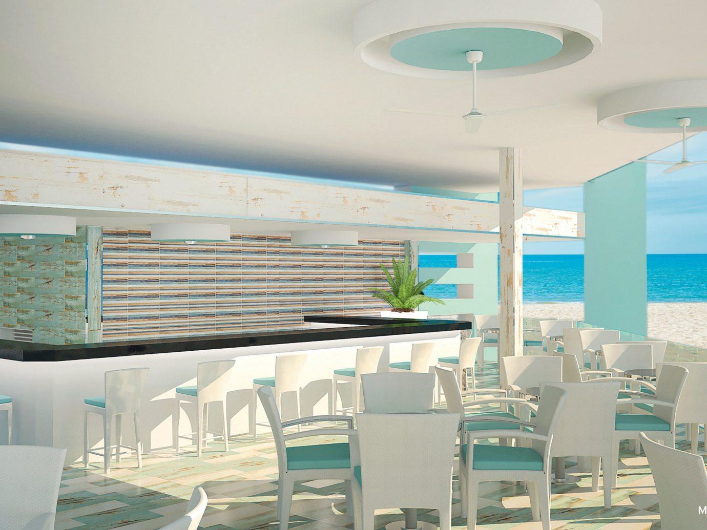 Bar at Hotel Riu Palace Paradise Island