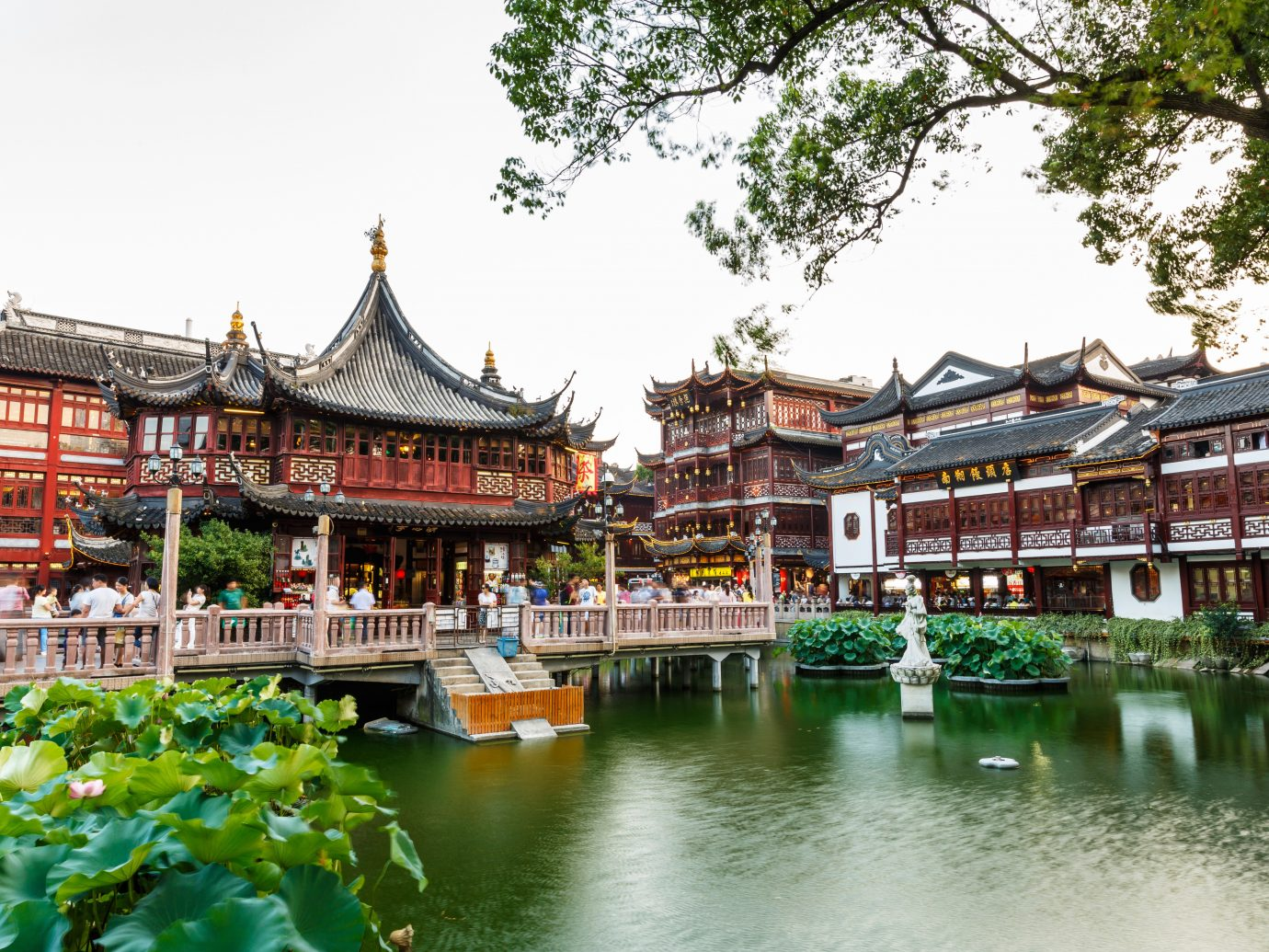 Architecture Buildings Design Exterior Garden Grounds Resort Trip Ideas Waterfront outdoor chinese architecture tree Town temple palace tourism resort town estate shrine shinto shrine place of worship