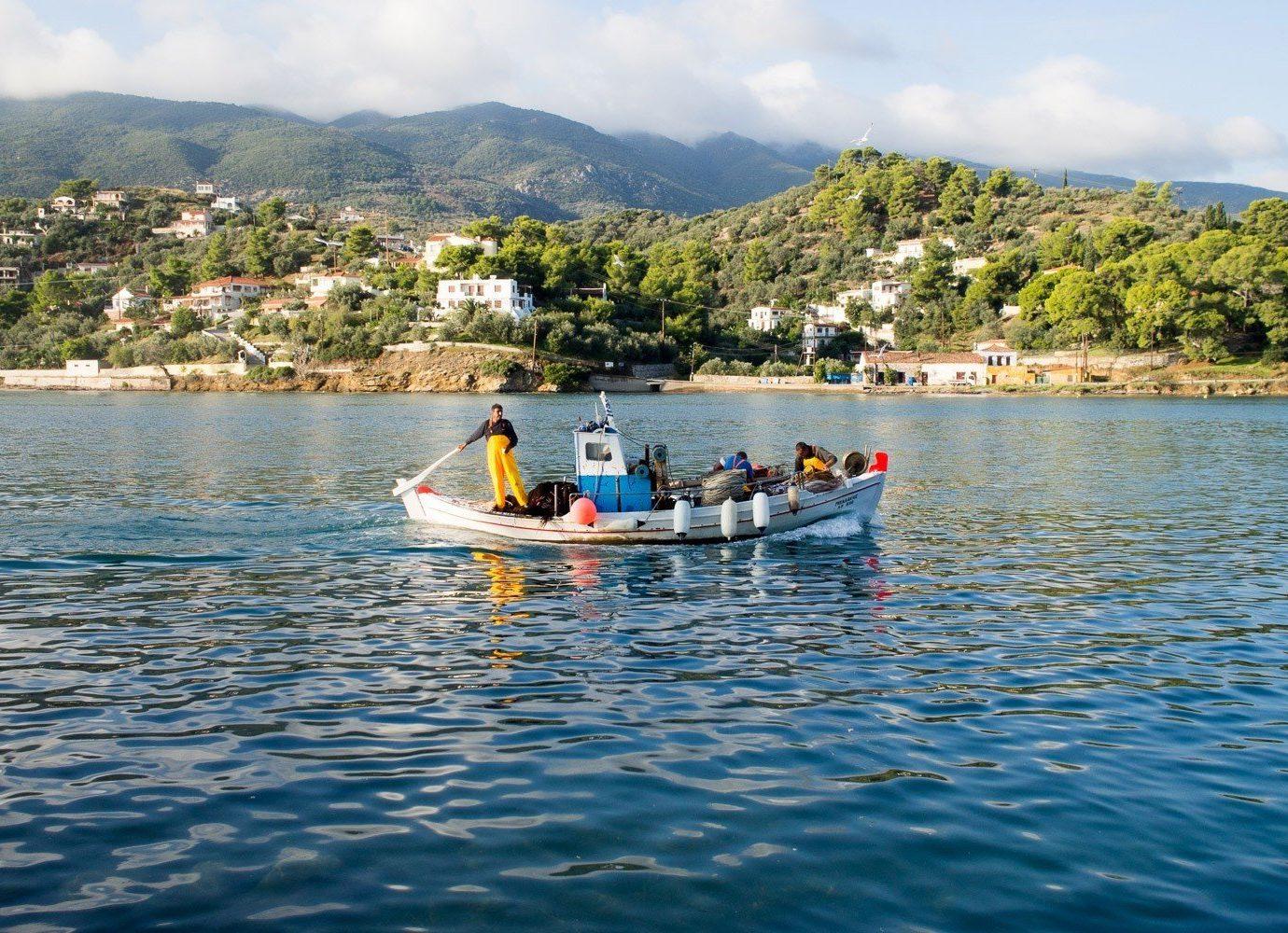 Travel Tips water outdoor mountain sky Boat boating vehicle Lake sea kayak Rowing Sport Sea kayaking kayak watercraft rowing watercraft bay sports equipment paddle swimming