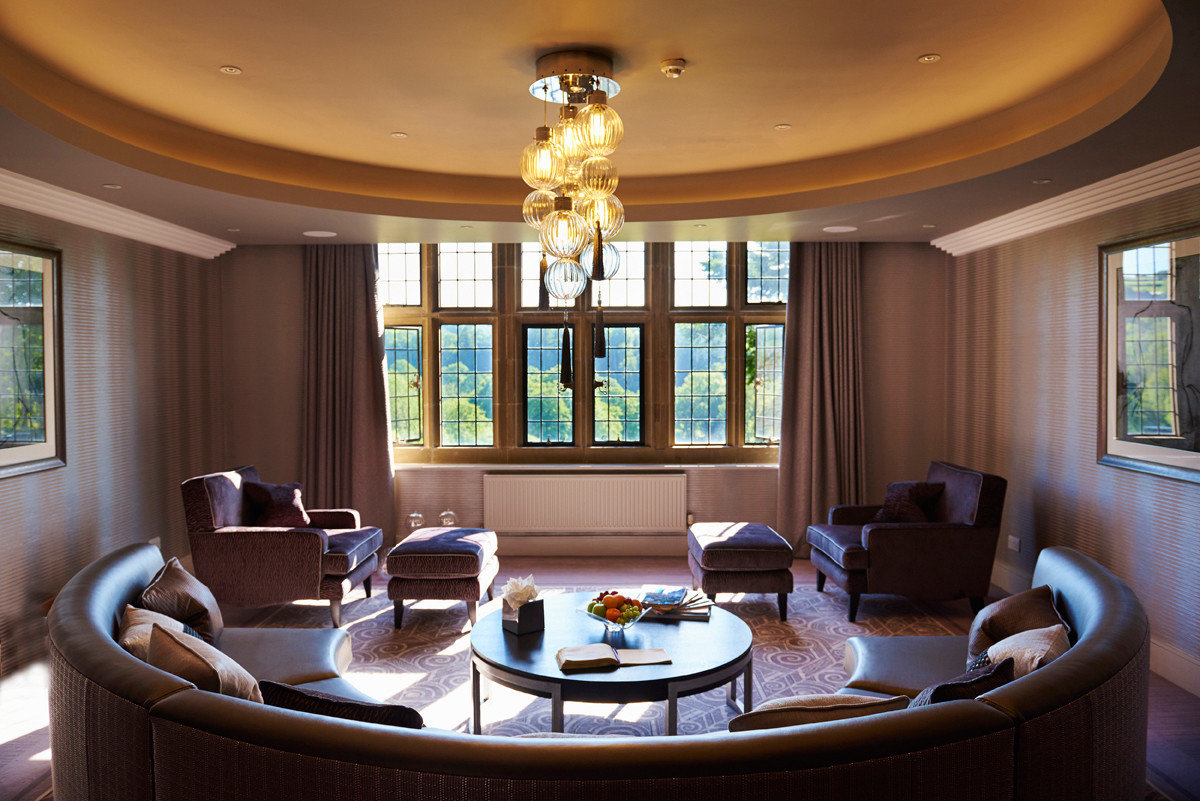 Hotels window indoor ceiling living room room floor dining room property estate Living home interior design Suite real estate furniture mansion condominium dining table