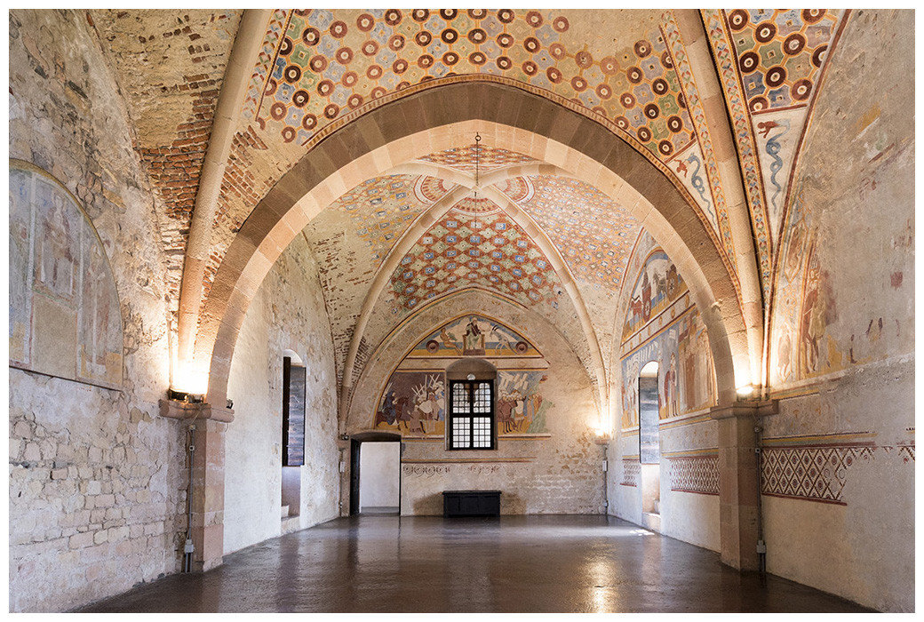 indoor building Architecture arch place of worship arcade chapel palace byzantine architecture monastery stone mosque basilica aisle estate synagogue tourist attraction ceiling