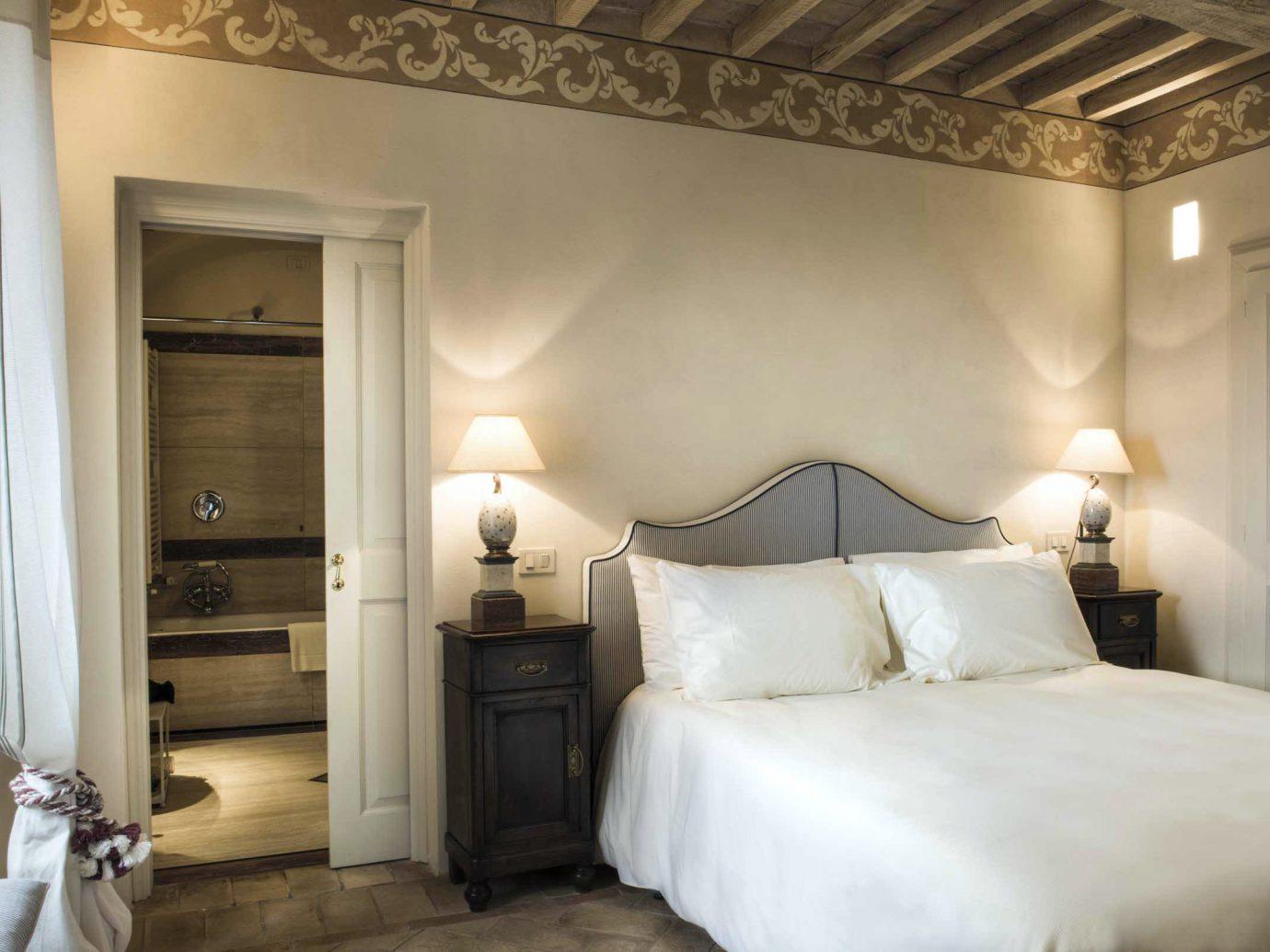 Bedroom Honeymoon Italy Luxury Romance Romantic Trip Ideas indoor bed wall room property ceiling Suite estate interior design cottage floor hotel real estate tan