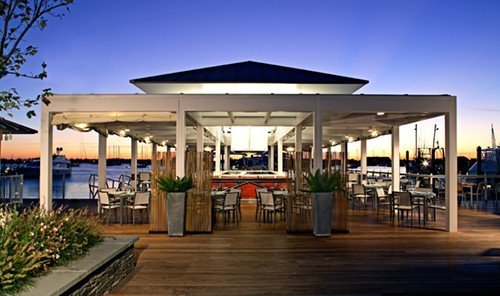 Travel Tips sky outdoor building leisure Resort plaza real estate convention center restaurant outlet store