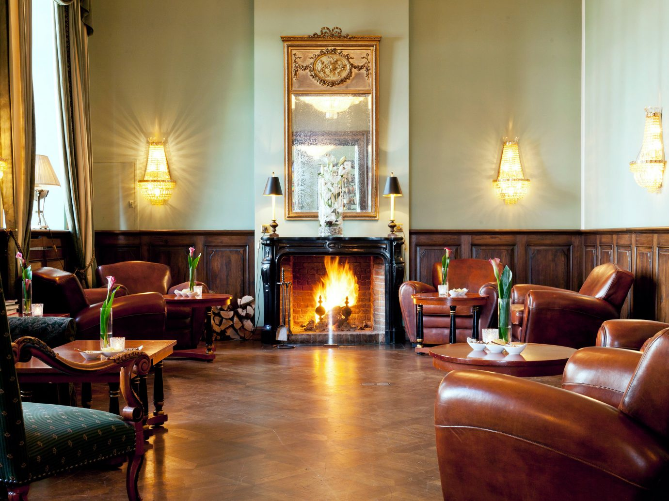 Bar Classic Country Historic Hotels Landmarks Living Luxury Luxury Travel indoor wall room floor sofa property living room estate dining room home hardwood interior design Suite real estate furniture leather