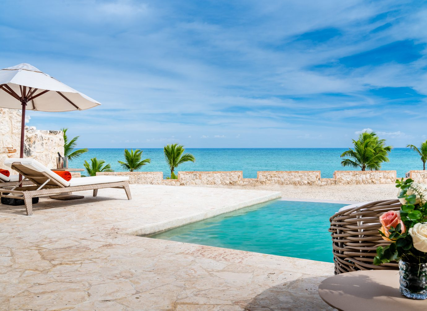honeymooners suite private pool and beach