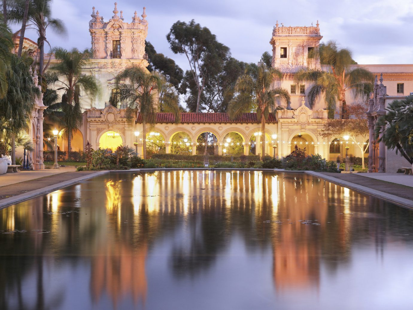 Trip Ideas outdoor water reflection landmark night cityscape plaza evening tourism palace waterway estate cathedral place of worship town square