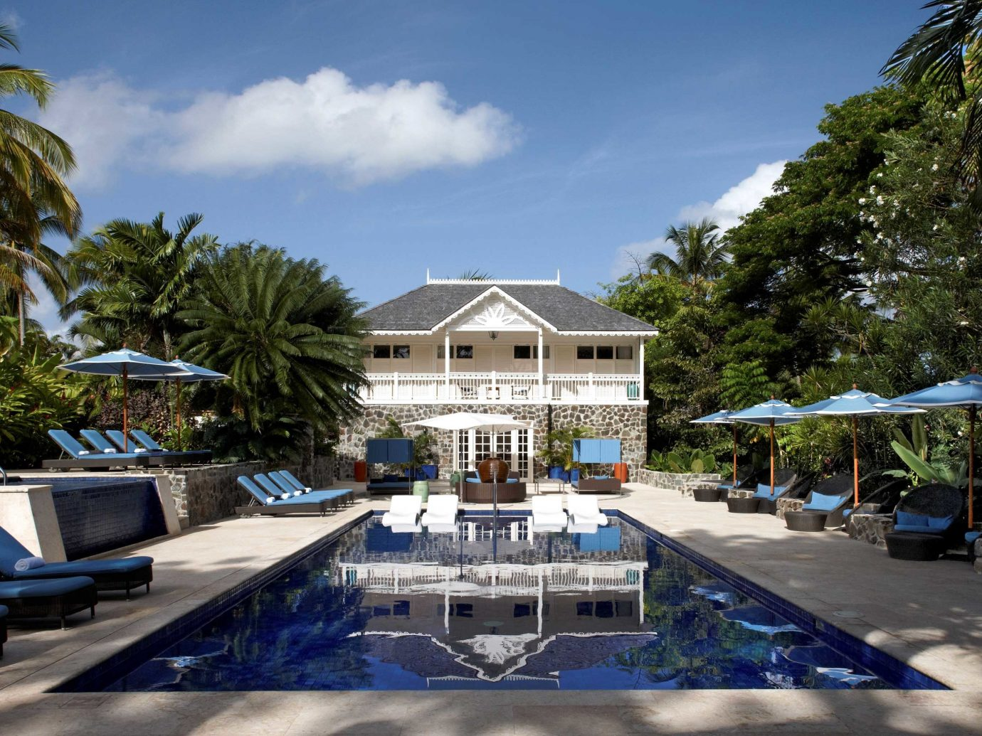 All-Inclusive Resorts caribbean Living Lounge Luxury Modern Pool tree outdoor Resort swimming pool estate vacation plaza marina palace Water park condominium lined