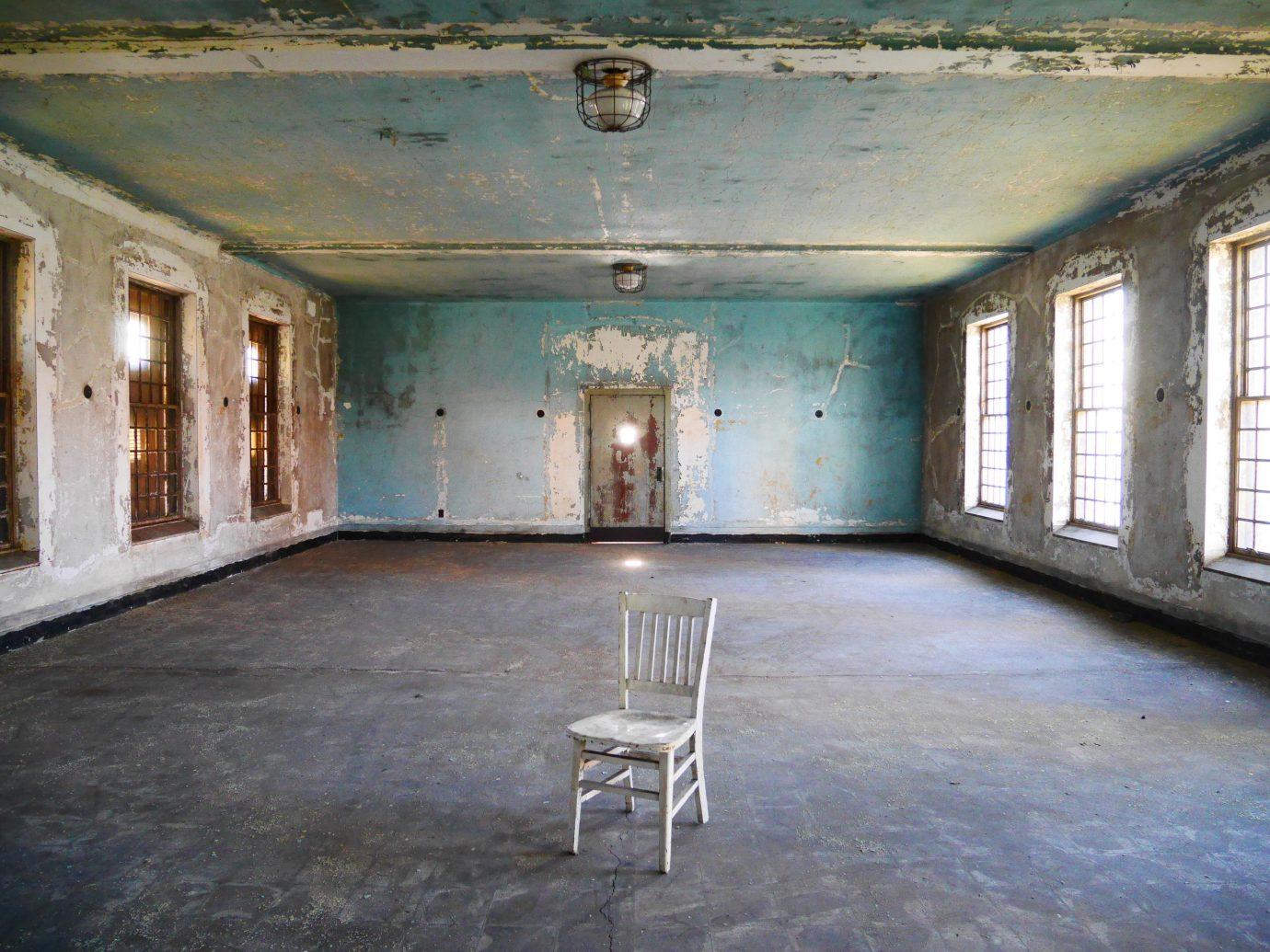 Offbeat ground building property house indoor room estate urban area floor home mansion interior design farmhouse old empty