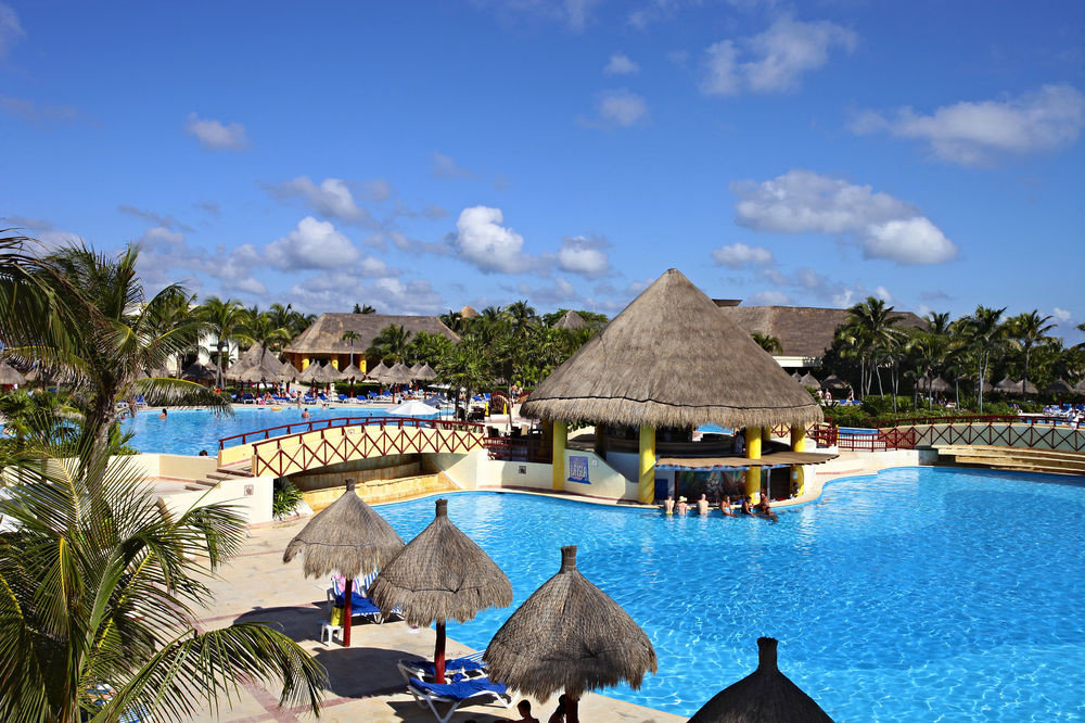 All-Inclusive Resorts Family Travel Hotels sky outdoor leisure Resort swimming pool vacation Beach estate tourism Sea resort town bay caribbean Lagoon Villa Water park Village Island
