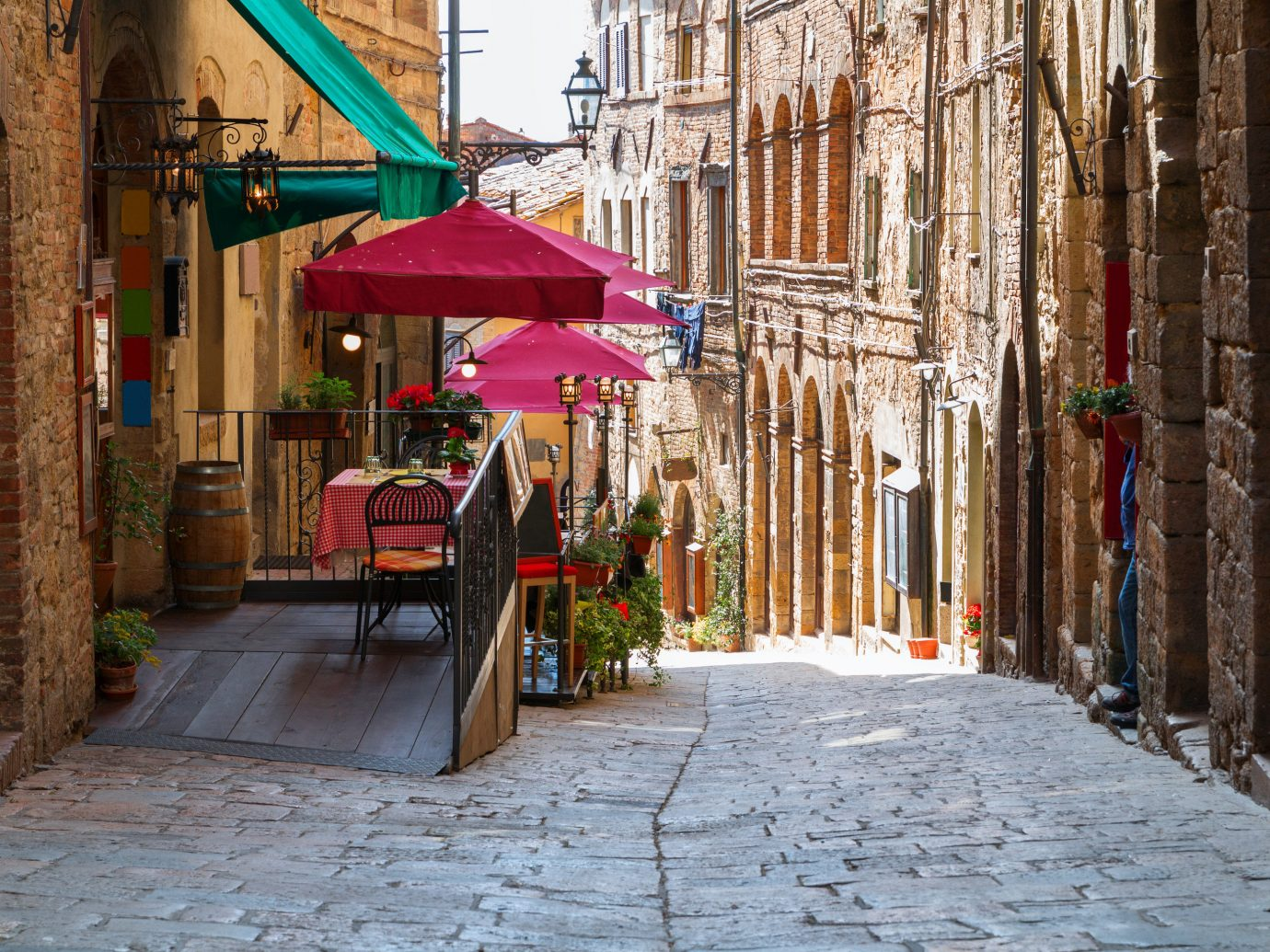 Italy Trip Ideas alley Town neighbourhood street road infrastructure urban area City window facade tourism vacation