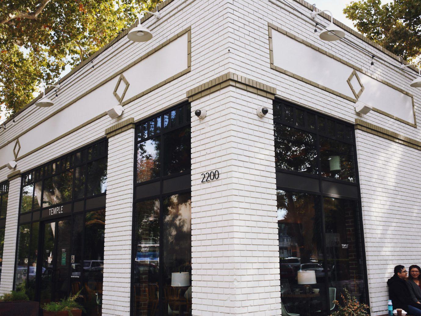Influencers + Tastemakers building house facade window
