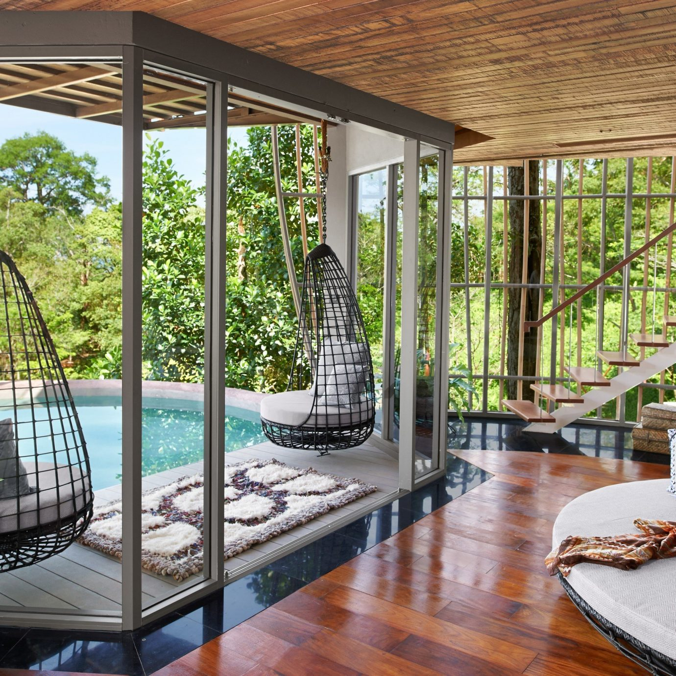 Travel Tips building table property window Living estate porch real estate outdoor structure Villa backyard furniture home Courtyard condominium Resort interior design Dining mansion orangery swimming pool area wood