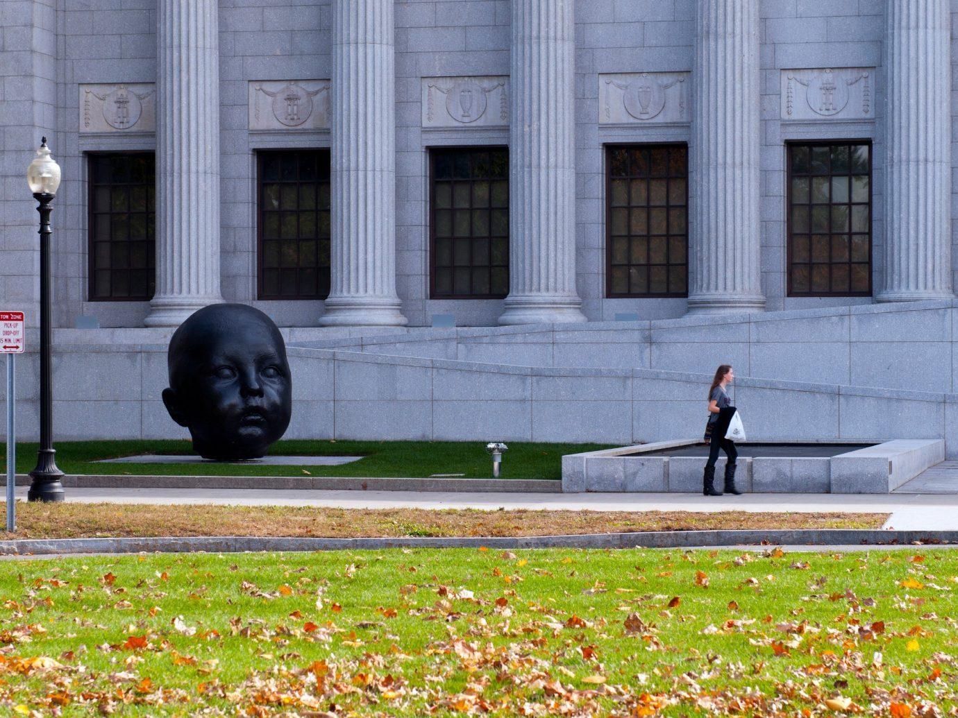 Budget grass outdoor urban area City Architecture memorial facade