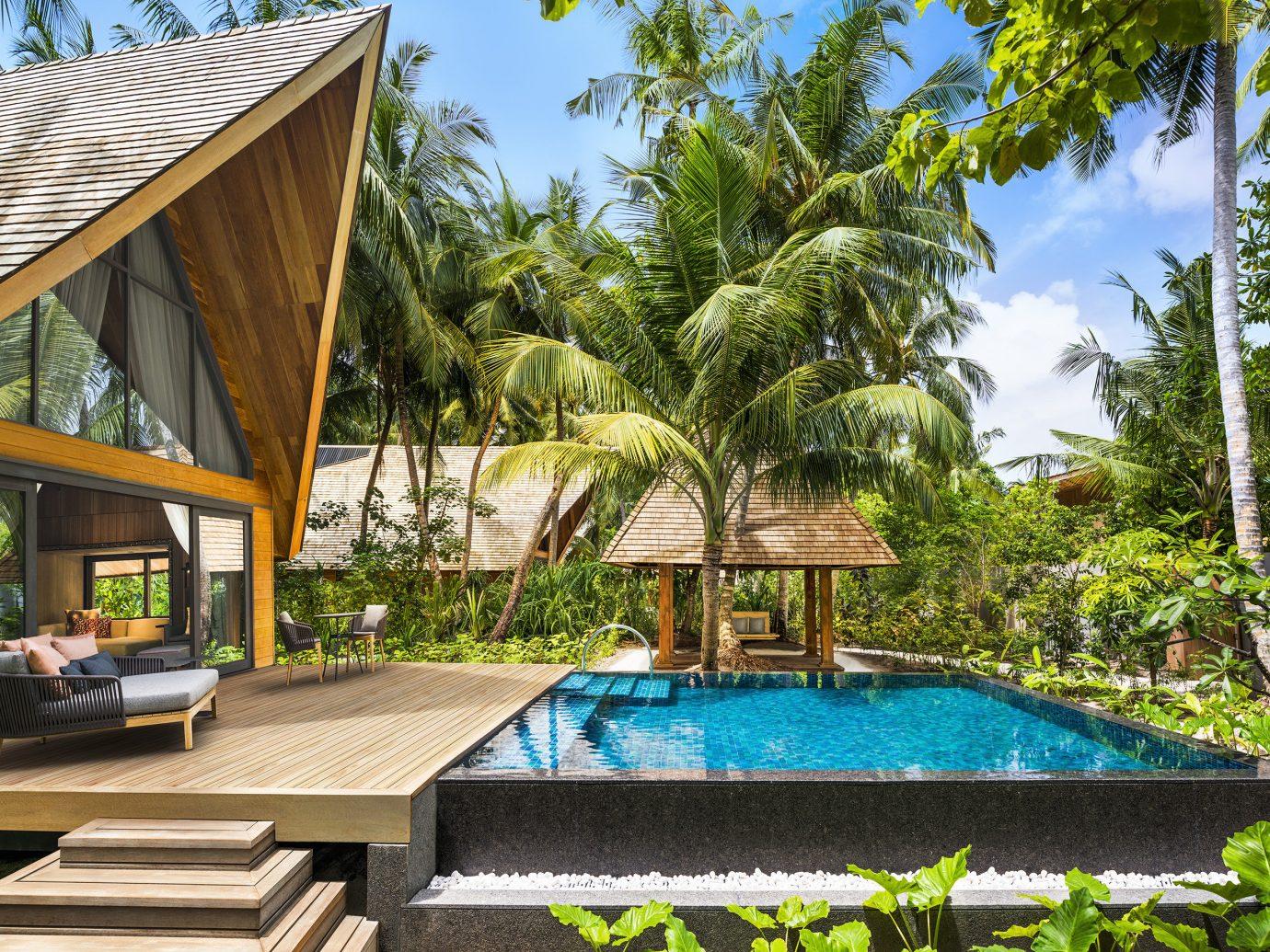 Private pool at Jumeirah Vittaveli