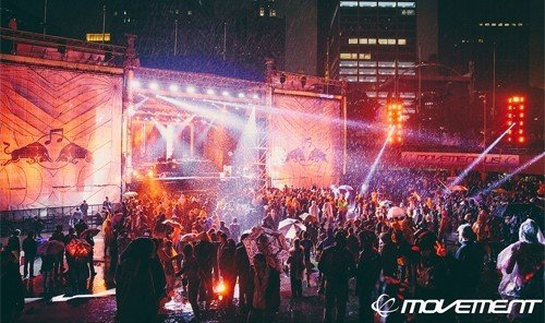 Jetsetter Guides person rock concert crowd performance stage outdoor concert musical theatre audience night festival nightclub