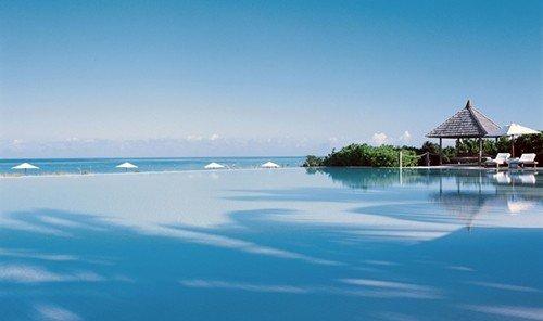 Travel Tips water sky outdoor Nature horizon Sea vacation Resort Ocean bay Lagoon Beach swimming pool Coast caribbean Island Lake blue shore swimming