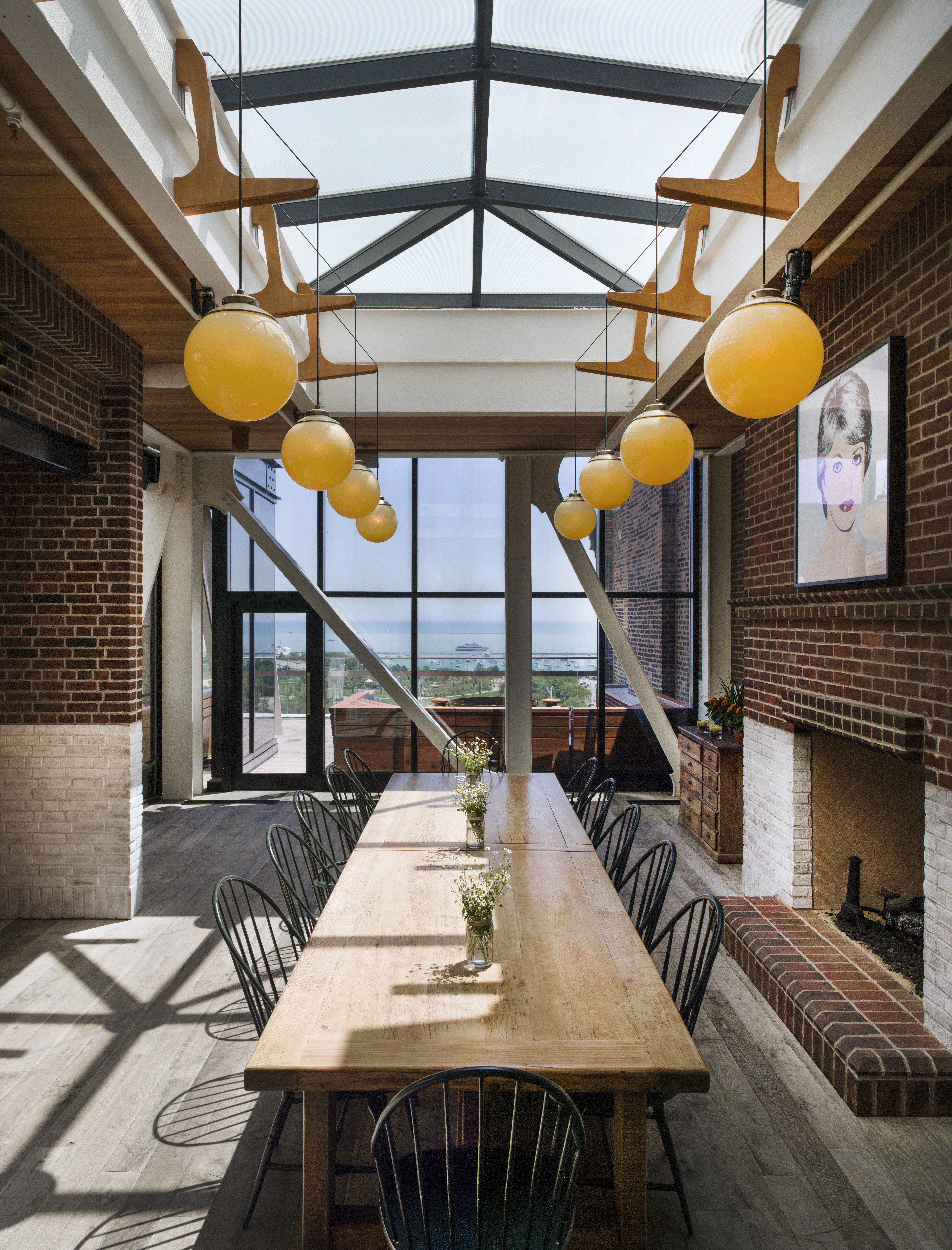 Dining Drink Eat Historic Lounge Modern Scenic views Trip Ideas building ground outdoor room Architecture interior design estate home daylighting lighting wood Lobby porch Design living room window covering loft