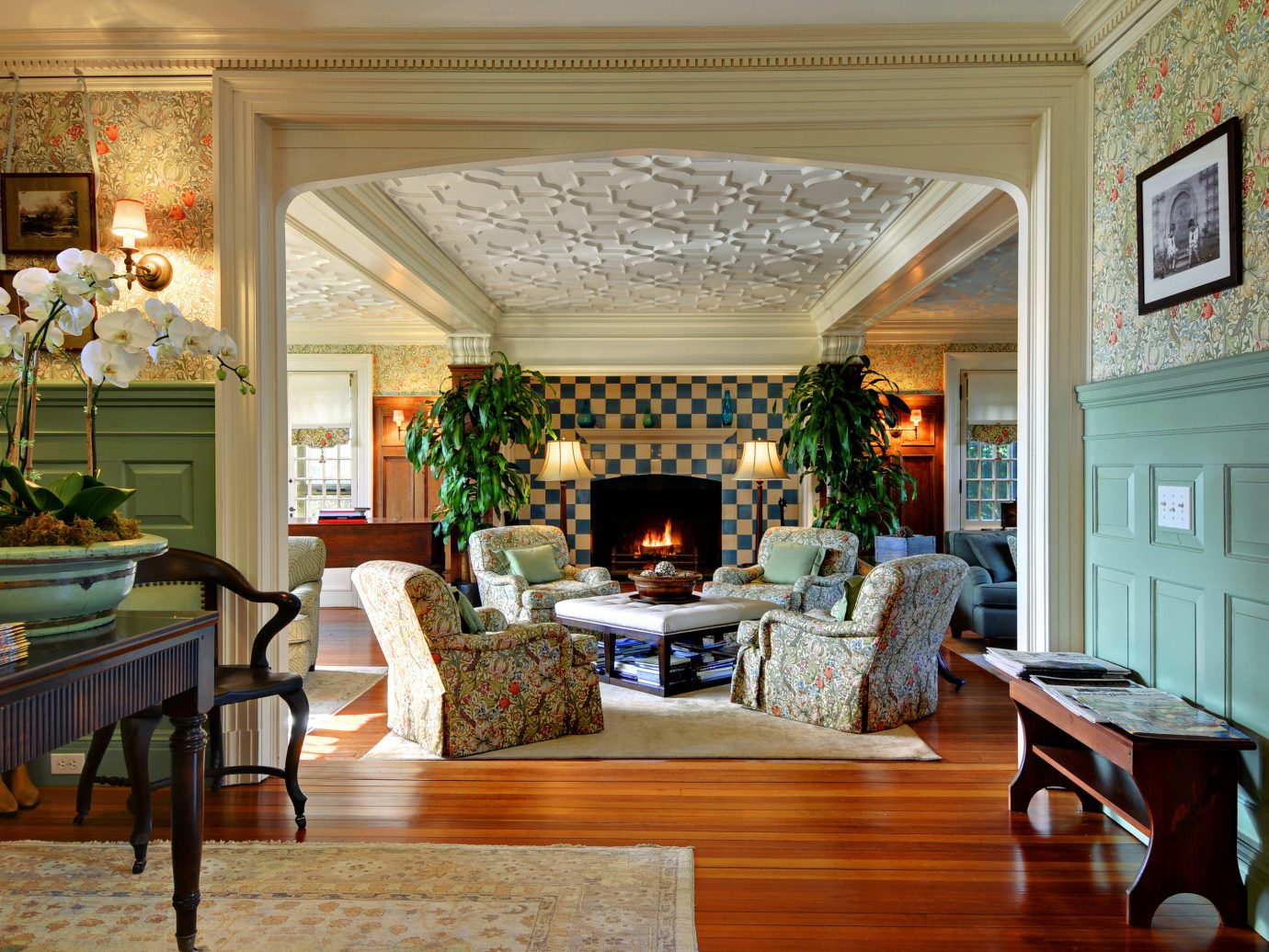 Beach South Fork The Hamptons indoor floor room Living dining room property living room chair estate window home ceiling interior design hardwood mansion real estate Dining Lobby Design furniture window covering farmhouse flooring area decorated