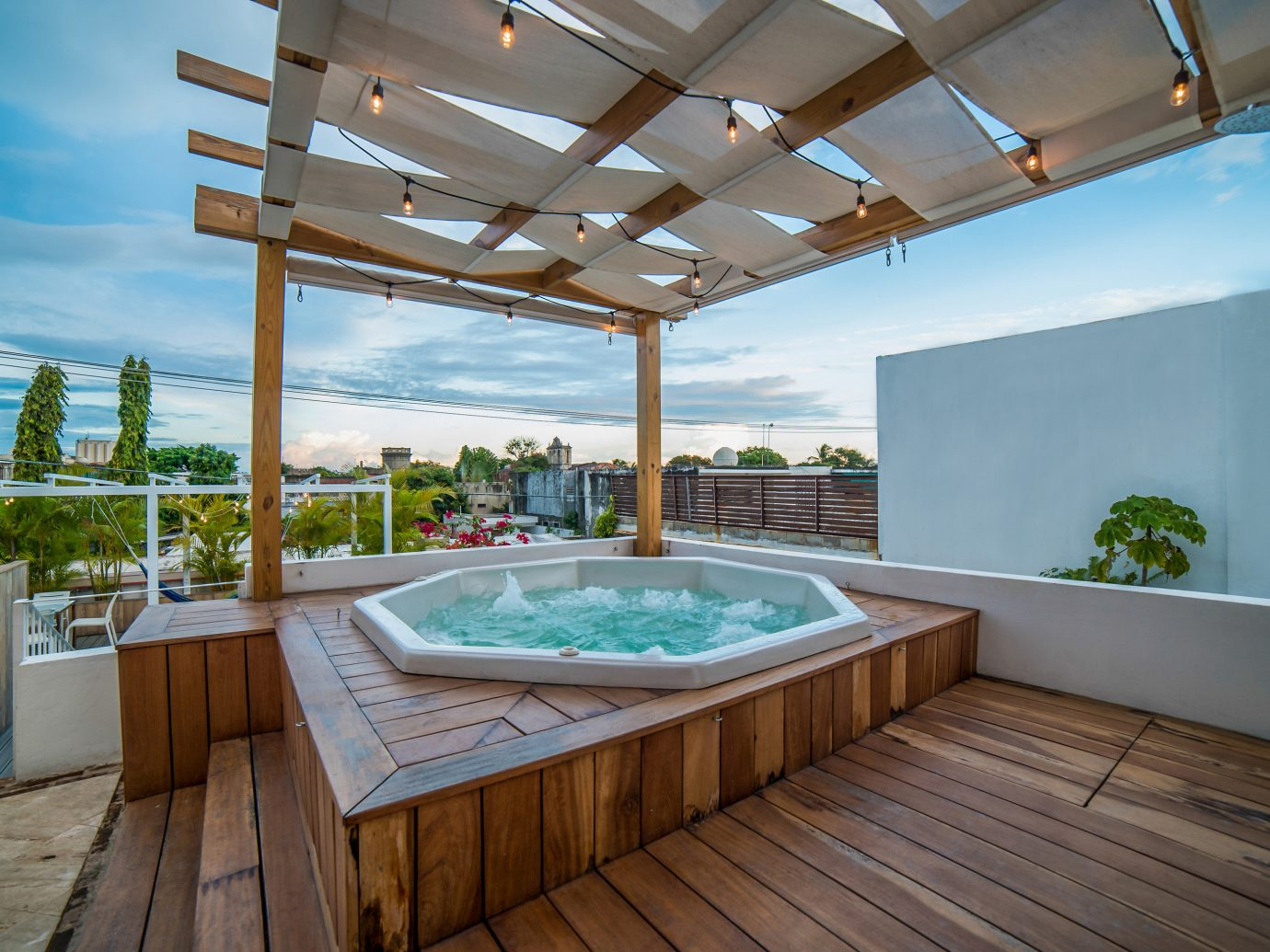 Luca Hotel Jacuzzi In DR