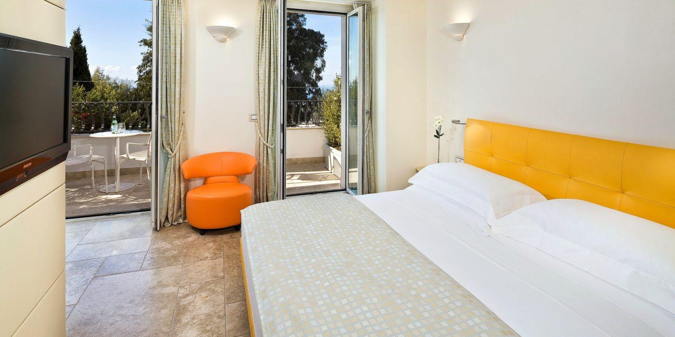 Adult-only Balcony Bedroom Classic Scenic views Villa property Suite cottage condominium